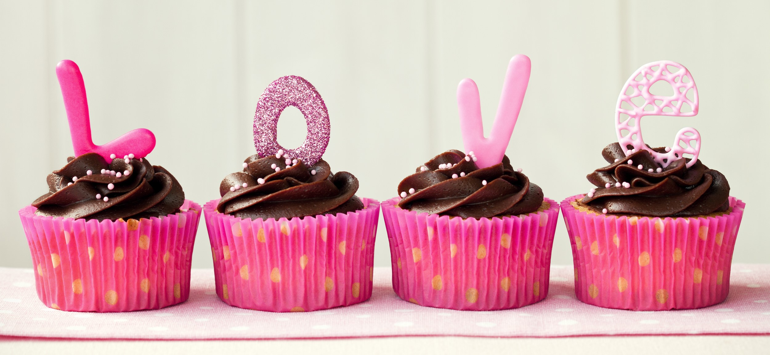 Valentine's Day cake image